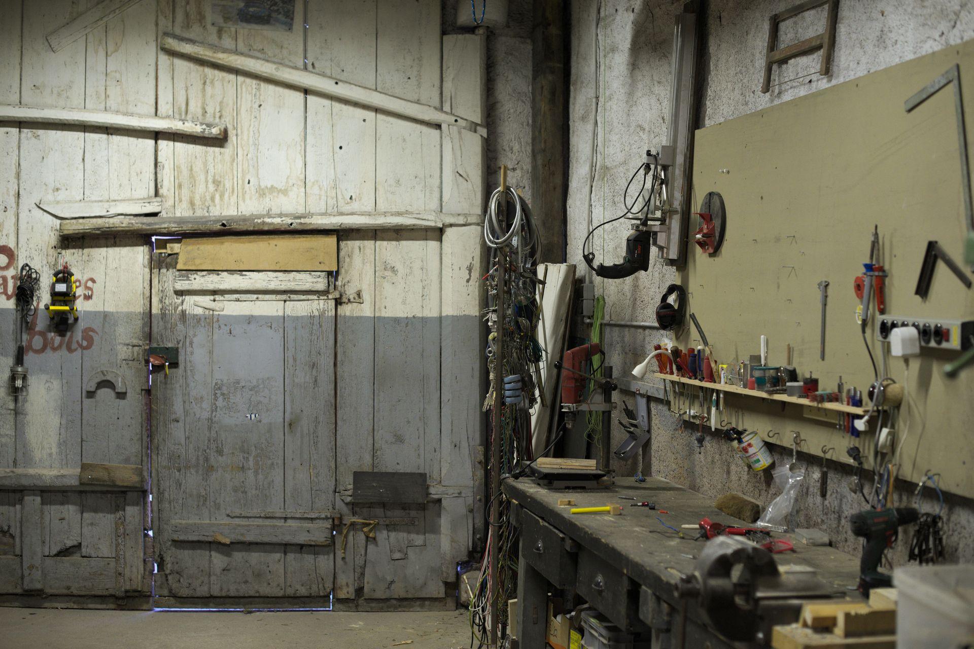Big workshop workbench